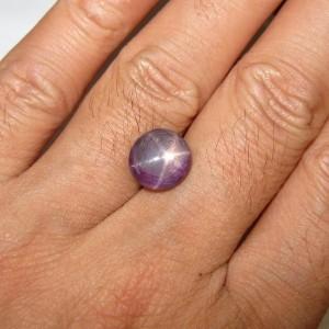 Batu Ruby Star 6 Carat Kualitas Luster Bagus!