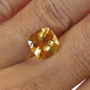 Citrine Brazil Cushion 3.57 carat Batu Permata Berkualitas!