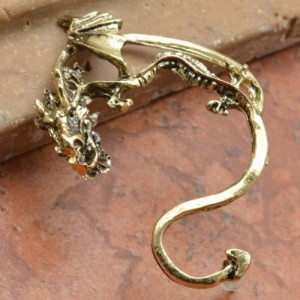 Anting Gothic Dragon
