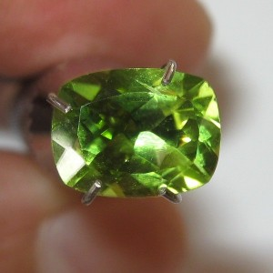 Green Cushion Peridot 1.55 carat