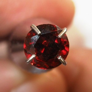 Batu Permata Garnet 0.5 carat Harga Murah Tapi Asli