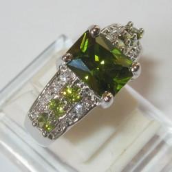 Cincin Model Peridot Ring 8US Gold Filled