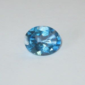 Batu Permata Natural Swiss Blue Topaz 2.90 carat Oval