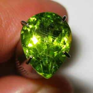 Green Peridot 1.85 cts Pear Shape