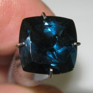 London Blue Topaz 3.39 carat Cushion