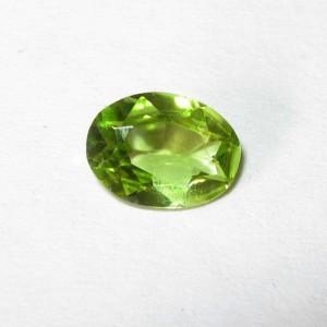 Permata Natural Peridot 0.60 carat Bentuk Oval