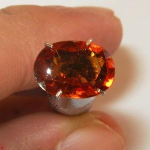 Hessonite Garnet 2.63 cts Kebeningan Kristal VVS to IF