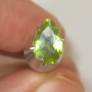 Peridot Pear Shape 0.95 carat