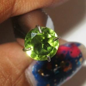 Batu Mulia Natural Peridot Round 0.55 carat