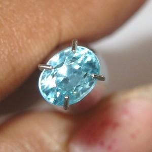 batu permata zircon biru