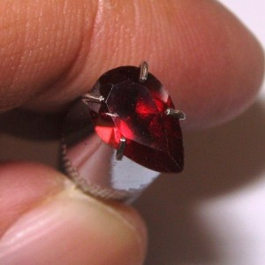 Pear Shape Red Garnet 1.00 Carat