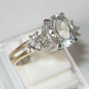 Cincin White Topaz Silver Ring 8US