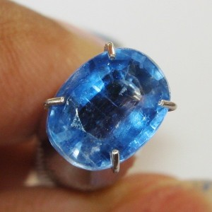 Batu Permata Kyanite Biru Luster Indah 1.56 Carat