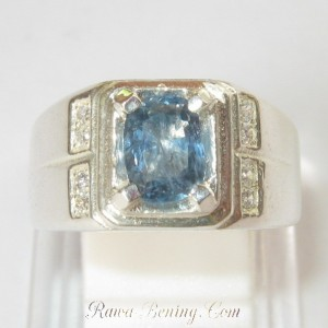 Cincin Safir Srilanka 1.42 cts Ring 8.5US