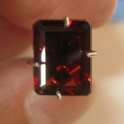 Pyrope Rectangular Garnet 2.40 carat