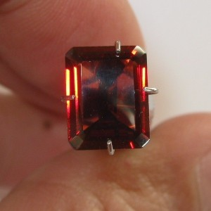 Rectangular Orangy Red Garnet 2.34