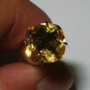 Yellow Citrine Facet Cushion 2.04 carat