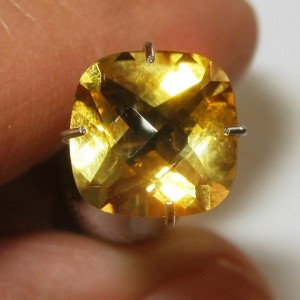 Yellow Citrine Kotak Cushion 1.84 carat