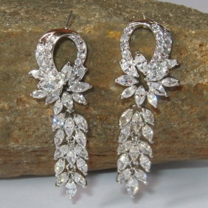 Anting Fashion Model White Sapphire (CZ)