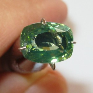 Zircon Hijau Cushion 2.48 carat