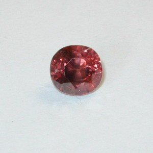 Batu Mulia Pinkish Orange Zircon 2.34 carat