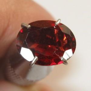 Garnet Almandite Oval 1.38 carat
