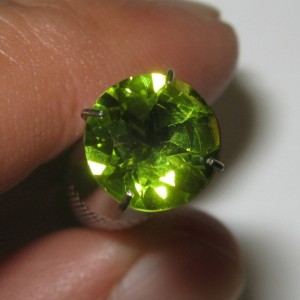 Natural Peridot Round 8mm 1.90 carat
