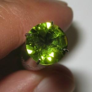 Natural Peridot Round 8mm 1.90 carat