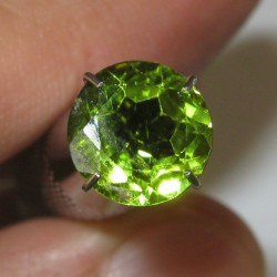 Natural Round Peridot 1.91 carat