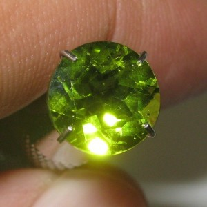 Peridot Round Hijau Bening 1.88 carat