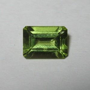 Batu Permata Rectangular Peridot 0.91 carat