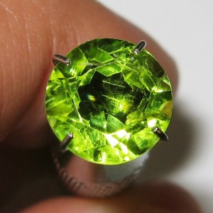Batu Permata Natural Round Peridot 8mm 2.00 carat