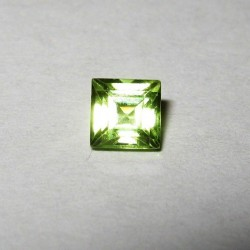 Square Cut Peridot 4mm IF