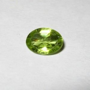 Batu Permata Natural Peridot Oval 0.70 carat