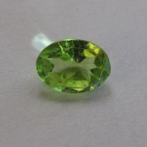 Batu Permata Oval Green Peridot 0.90 carat