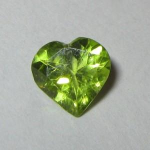 Natural Peridot Heart 1ct