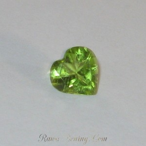 Natural Peridot Heart 1ct