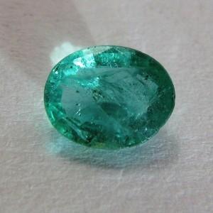 Batu Mulia Natural Emerald Oval 0.99 carat Exclusive