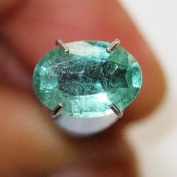 Green Emerald Oval Cut 0.95 carat