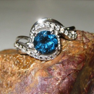 Cincin Permata London Blue Topaz Silver 925 Ring 8US