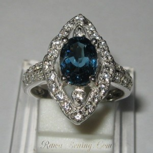 Cincin London Blue Topaz Ring 6US