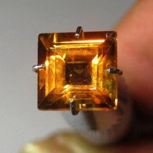 Batu Permata Citrine Kotak 1.77 carat Warna Oranye