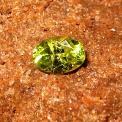 Peridot Hijau Oval 0.90 carat