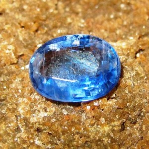 Batu Permata Natural Kyanite Oval Blue 1.29 carat