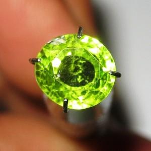 Batu Permata Peridot 2.10 carat Round Cut