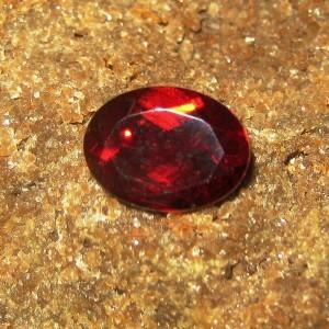 Batu Permata Oval Red Garnet 1.55 carat Luster Tajam Atraktif