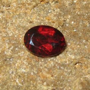 Batu Permata Natural Pyrope Almandite Garnet 1.48 carat