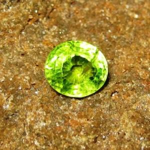 Permata Oval Green Peridot 2.88 carat