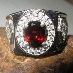 Cincin Pria Pyrope Garnet Ring 9US