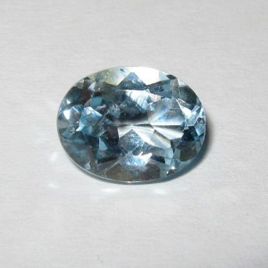 Oval Light Blue Topaz 2.45 carat Luster Tajam Ajib!
